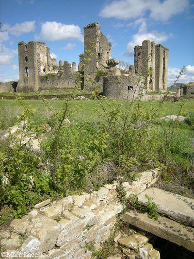 chateau de Lagarde 19 la tour ouest par Marc Lacelle