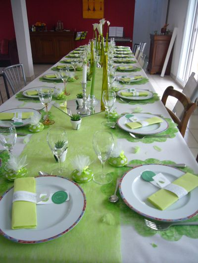 D co de table qui sent le printemps le blog de art - Idee decoration de table pour communion fille ...