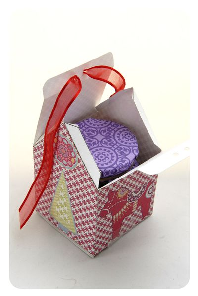free-printable-christmas-house-box-9.jpg