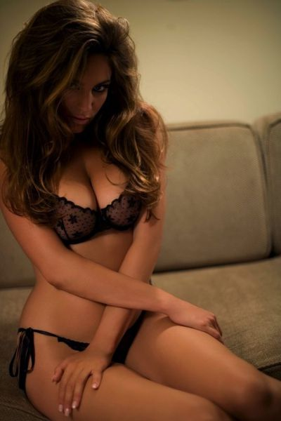 boobs-kelly-brook-lingerie-playboy--Kelly-Brook-1.jpeg