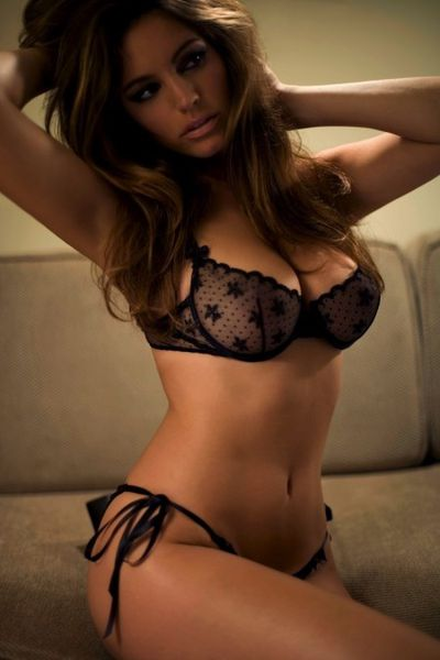 boobs-kelly-brook-lingerie-playboy--Kelly-Brook.jpeg