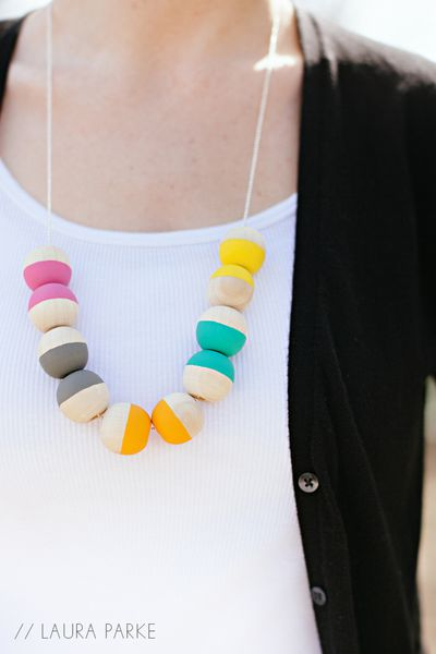 LauraParke_PaintedNecklace014.jpg
