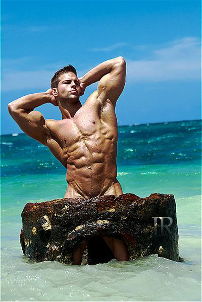 Markus-Ricci-Hot-Muscle-Burbujas-De-Deseo-08.jpg