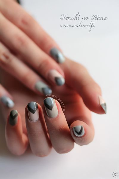The New Black Heathered nail art 8