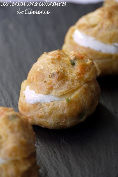 gougeres-curry-saumon-petits-pois2.jpg