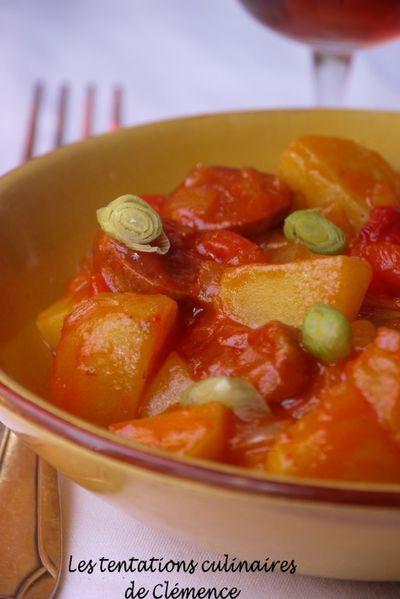 pommes-de-terre-sauce-tomate--chorizo--poivron2.jpg