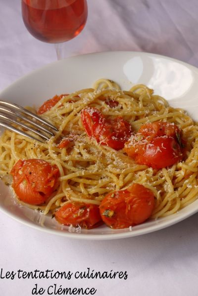 spaghetti-tomate--origan--parmesan.jpg