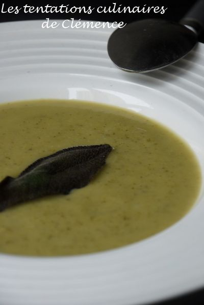 soupe-courgette-sauge-2.jpg