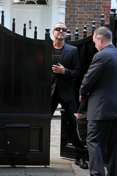 George-Michael-leaves-Royal-Albert-Hall--aIzpf4nBcBl.jpg