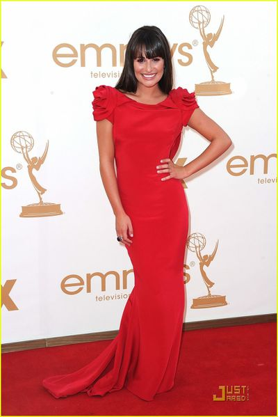 lea-michele-emmys-2011-red-carpet-01