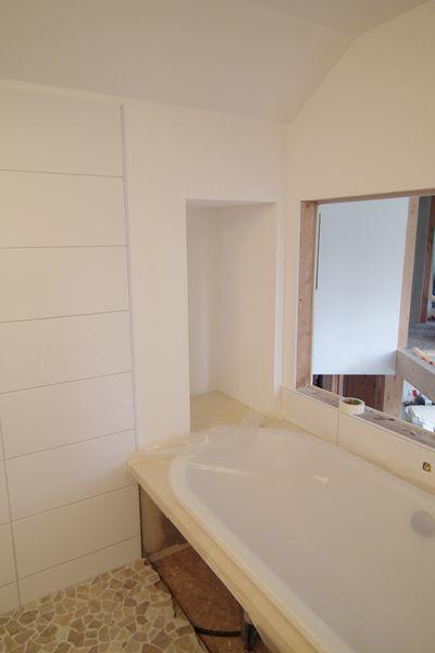 niche baignoire peinte