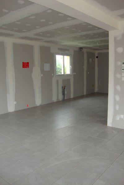 Carrelage salle de bain jaune niort cergy cergy for Carrelage salle de bain point p