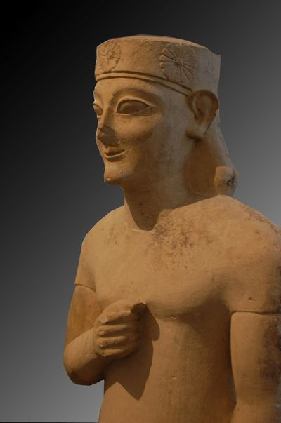 hatshepshut v s kouros The singer rihanna frequently refers to antiquity, and in a very  hatshepsut  could also have been an interesting choice to embody a strong.