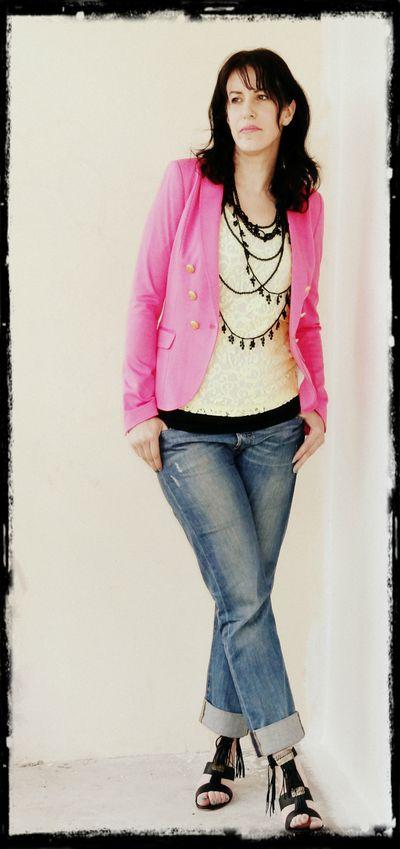 veste rose et top dentelle jaune h m boyfriend levi 39 s shoes maje mia in terra latina. Black Bedroom Furniture Sets. Home Design Ideas