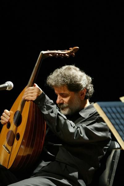 http://img.over-blog.com/401x600/1/50/59/42/Marcel_Khalife_1.jpg