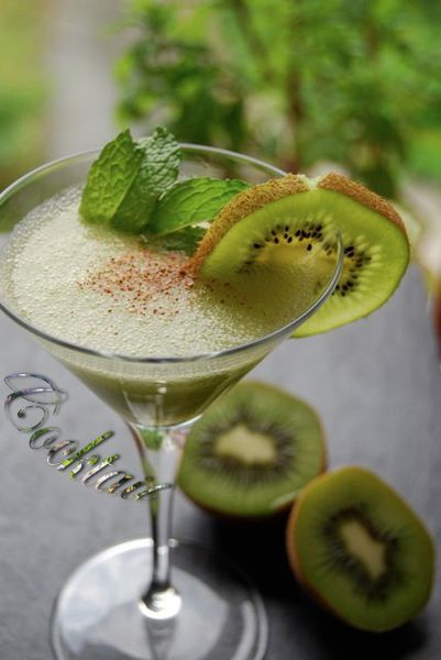 cocktail kiwi