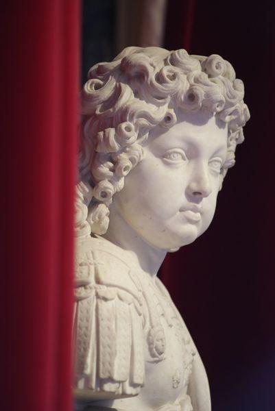 210 Versailles 060