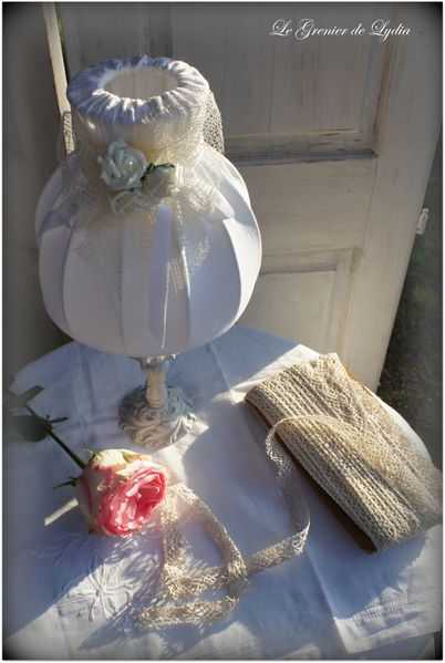 lampe romantique roses blanches