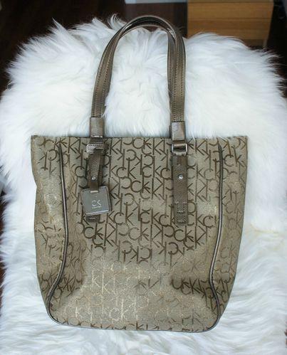 VD - Calvin Klein - sac beige monogrammé 01