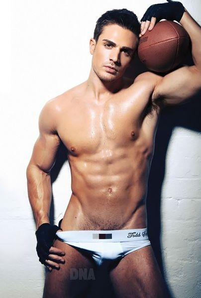 philip-fusco-by-simon-le-01.jpg