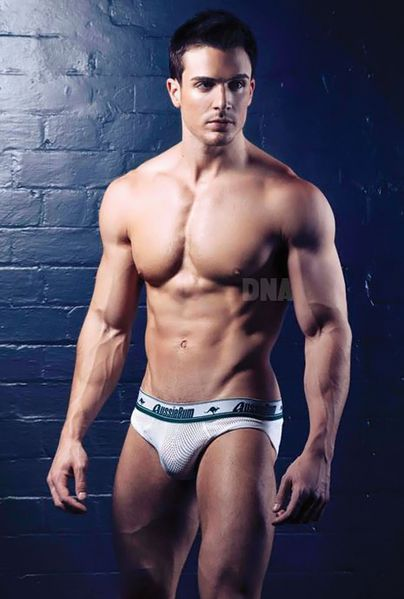 philip-fusco-by-simon-le-11.jpg
