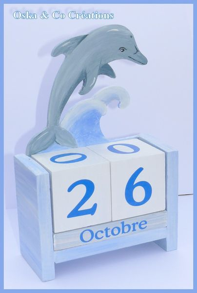 dauphin-sur-vague--Oska---co-Creations-calendrier-perpetu.jpg