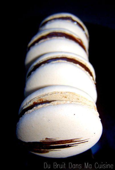 macarons chocolat caramel du bruit dans ma cuisine. Black Bedroom Furniture Sets. Home Design Ideas