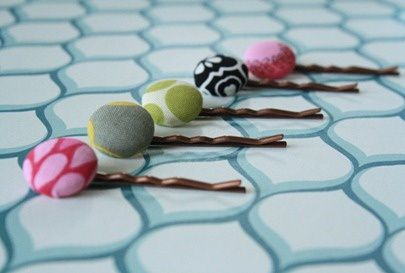 fabric-button-bobby-pins-DIY-IMG_8164_thumb-1-.jpg