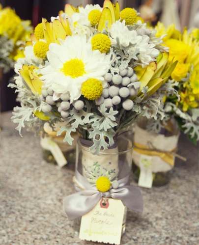 yellow-white-wedding-flowers__full.png