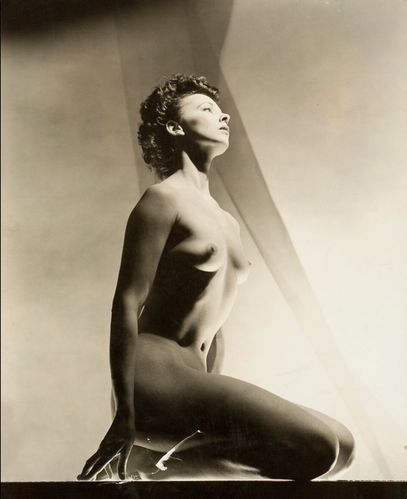 Photo---Leonor-Fini-by-George-Platt-Lynes-New-York-1936.jpg