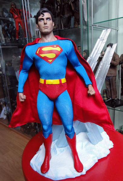 SUPERMAN HOT TOYS 2
