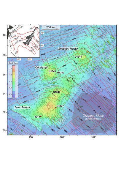 Tamu-massif-versus-Omympus-Mons.jpg