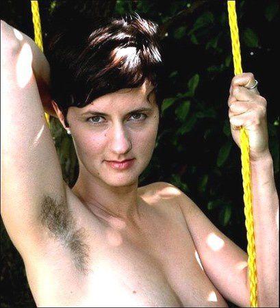 Penelope cruz bras poilus