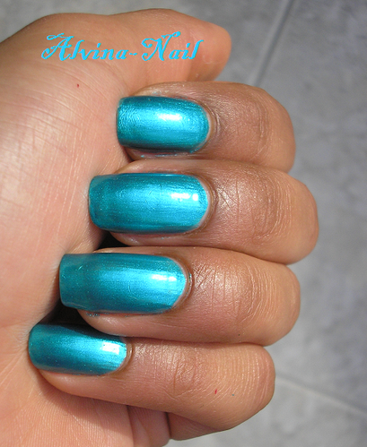 Rimmel-green-with-envy5--Alvina-Nail.png