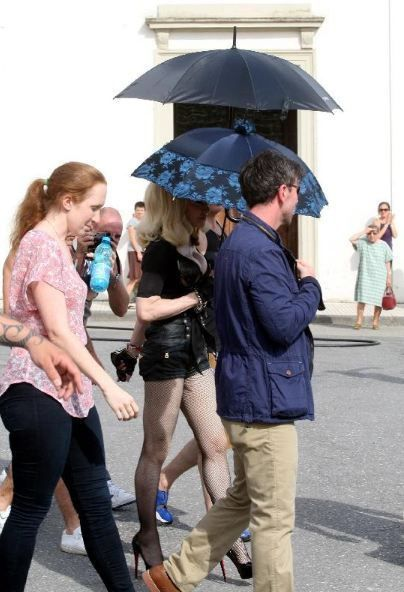 20120618-pictures-madonna-turn-up-the-radio-set-14
