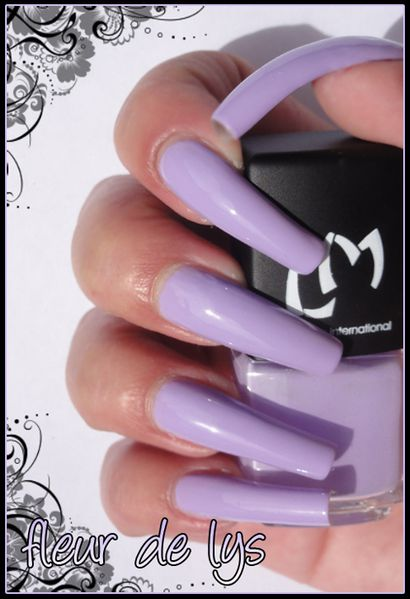 Vernis ongles lilas