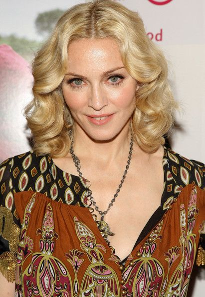 Madonna's Center Part Medium Curls: The Perfection