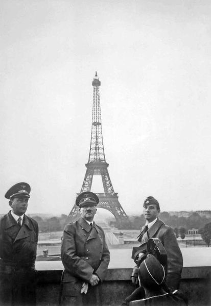 adolf à Paris-01