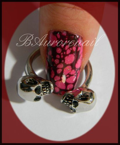 Nail-art--facon-Spotted-et-son-petit-water-marble-2.jpg