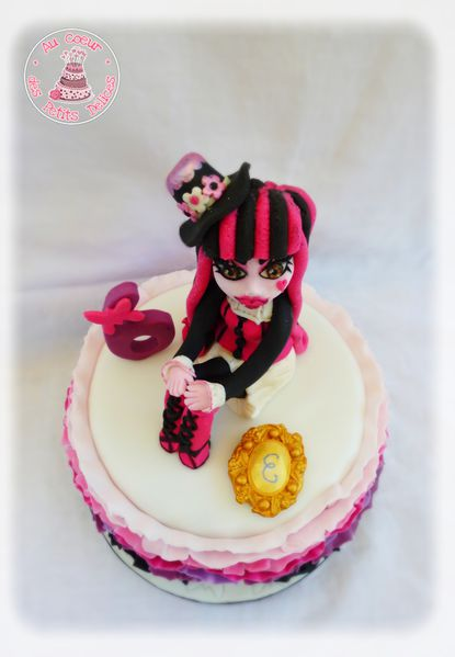 Gateau-monster-high-draculora.jpg