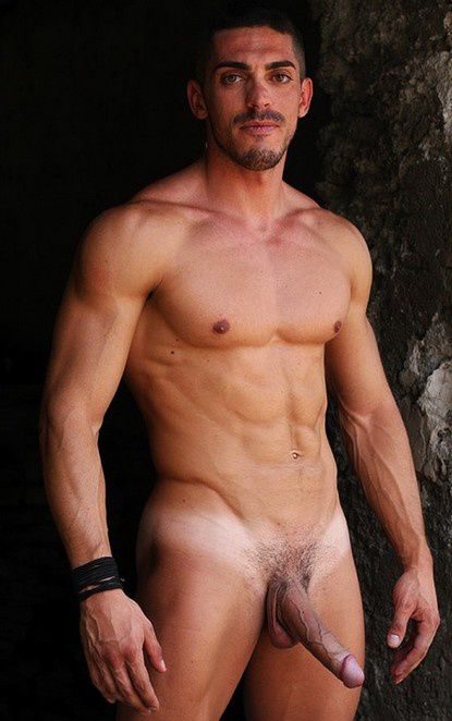 PARTOUZE-GAY-AMATEUR-ARABE-BLACK-BLANC.jpg