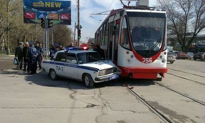 accident-police-tram1.jpg