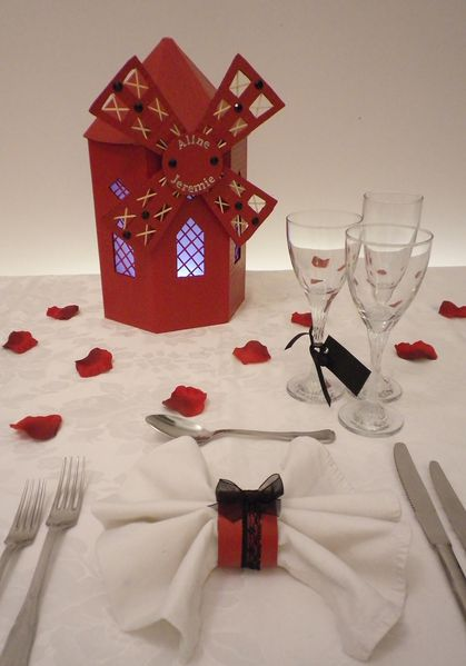 Deco table of moulin rouge a decoration of table o dreams o hopes - Decorations de mariage ...