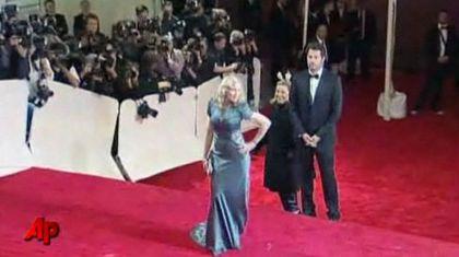 Madonna at Met Gala 2011 - May 2, 2011: Videos