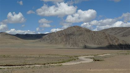 vers-Olgii--1ers-paysages-mongols--5---Small-.JPG