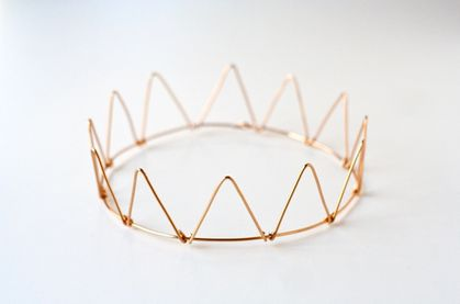 Wire-Crown-DIY.jpg