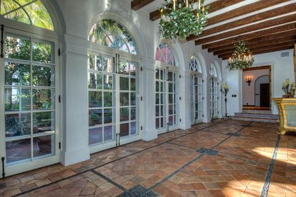 A look inside Madonna's former Los Angeles house
