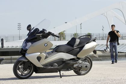 Scooter on Bmw Motorrad Lance Ses Maxi Scooters  C600sport Et C650gt   Amicale