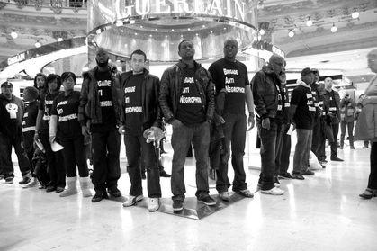 30 octobre 2010 - Stand Guerlain - Galeries Lafayette - Paris - ANC dr www.legrigriinternational.com