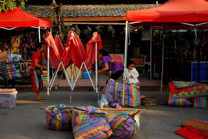 night-market-luang-prabang--Small-.jpg
